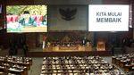 Rapat Paripurna Hingga Potong Tumpeng Hiasi Perayaan HUT DPR