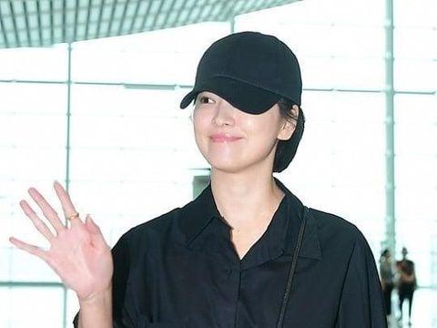 Penampilan baru Song Hye Kyo dengan rambut super pendek