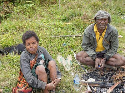 Kebiasaan Unik Warga Pedalaman Papua Barat, Nomer 4 Bikin Kaget