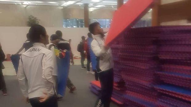 Cerita Tim Jepang Bersih-bersih Venue Usai Tanding Karate Asian Games