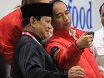 Jokowi Ketemu Babinsa, Prabowo Kopdar dengan Driver Ojol