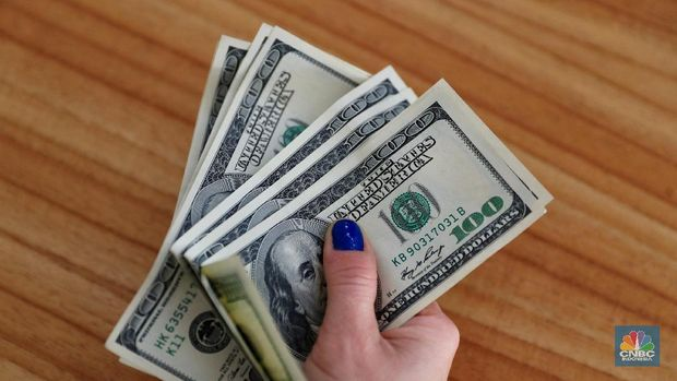 Jangan Pernah Bawa Uang Dolar Cs Senilai Rp 1 M Di Indonesia