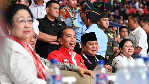 Momen kebersamaan Jokowi dan Prabowo Subianto di venue silat Asian Games 2018