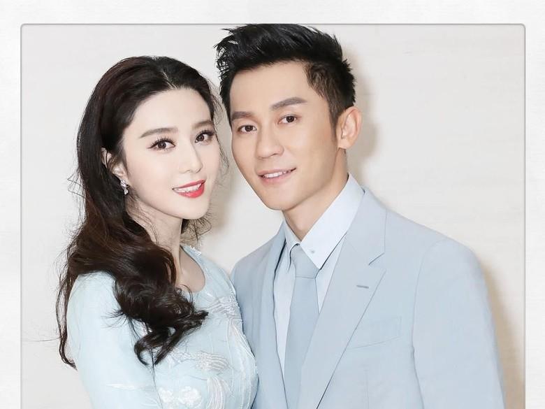 Dikabarkan Putus, Kekasih Fan Bing Bing Lepas Cincin Tunangan