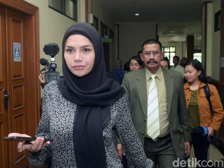 Diajak Rujuk Dipo Latief, Nikita Mirzani: Mending Gue Masuk Penjara!