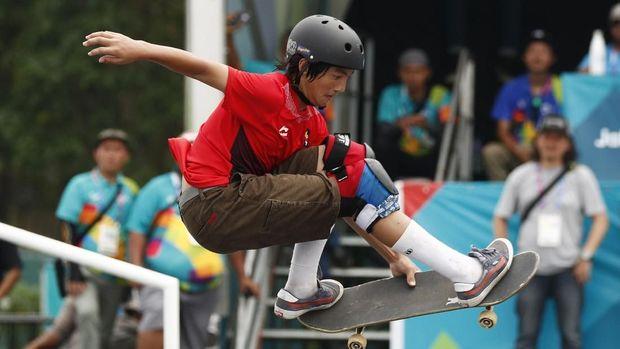 Jason Dennis Lijnzaat menyumbang perak dari lintasan skate board di Asian Games 2018.