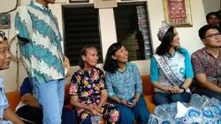 Momen Putri Indonesia 2018, Sonia Fergina Citra berkunjung ke rumah singgah kanker Cancer Information and Support Center (CISC).