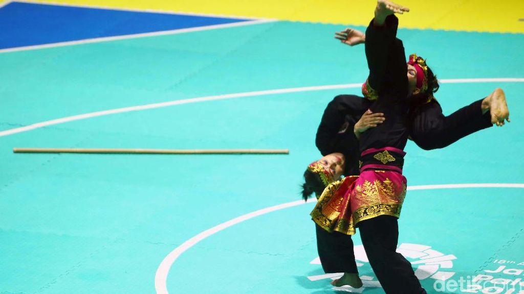 Raih Emas Ganda Putri Pencak Silat di Asian Games, Ayu & Dewi: Luar Biasa