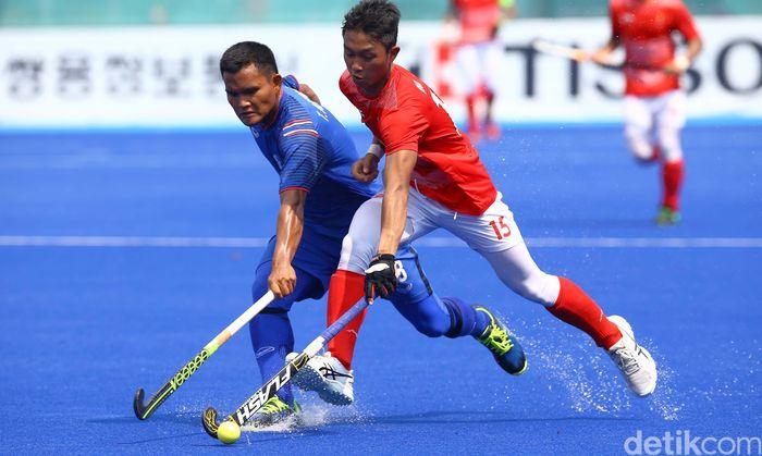 Kekalahan dari Thailand membuat Tim Hoki Putra Indonesia finis di posisi 10 Asian Games 2018. Walaupun jauh dari medali, hasil itu tetap disebut sesuai target.