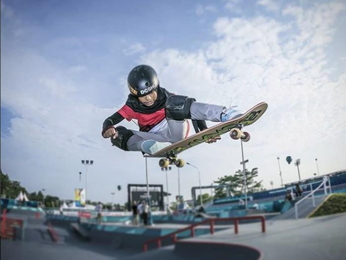 Nyimas Bunga Cinta, skater berhijab berusia 12 tahun peraih medali di Asian Games 2018Foto: Instagram