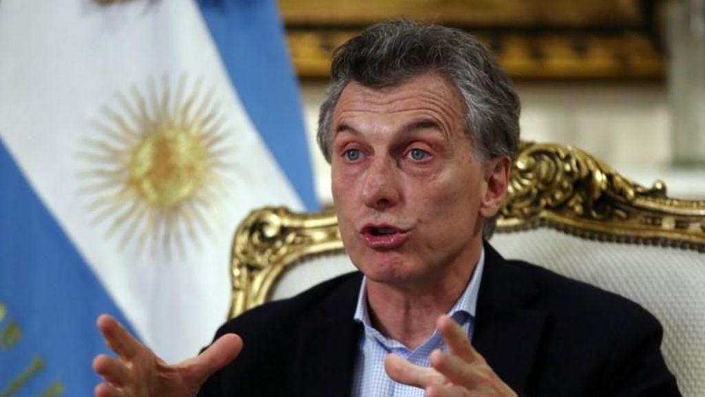 Krisis, Argentina Kurangi Jumlah Menteri