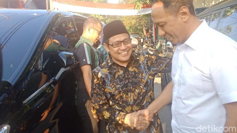 Cak Imin Sambangi Ma'ruf Amin yang Baru Pulang Haji