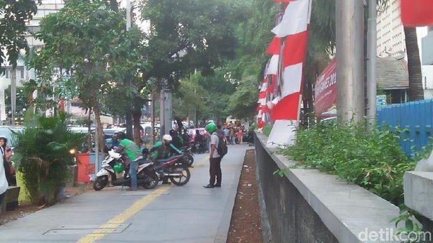 Kondisi trotoar Sarinah, Kamis (30/8) sore (Nur Azizah/detikcom)