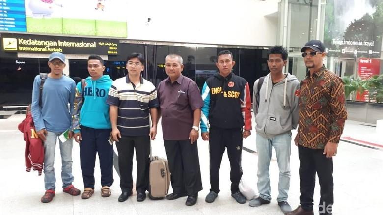 4 Nelayan Aceh yang Ngambang di Laut Thailand 8 Hari Dipulangkan