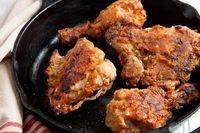 Antimainstream! Ayam Goreng Aroma Keringat hingga Berlumur Saus Cokelat