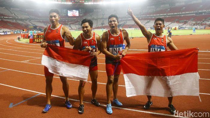Indonesia meraih perak dari lari estafet 4x100 m putra (Grandyos Zafna/detikSport)