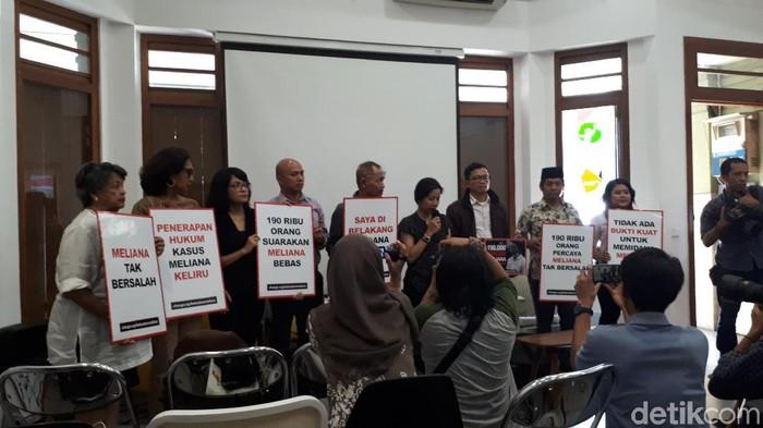 Foto: Diskusi kasus Meliana di Kekini (Faiq-detik)
