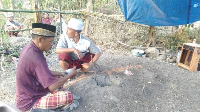 Foto: Semburan lumpur di Mataram (harianto/detikcom)