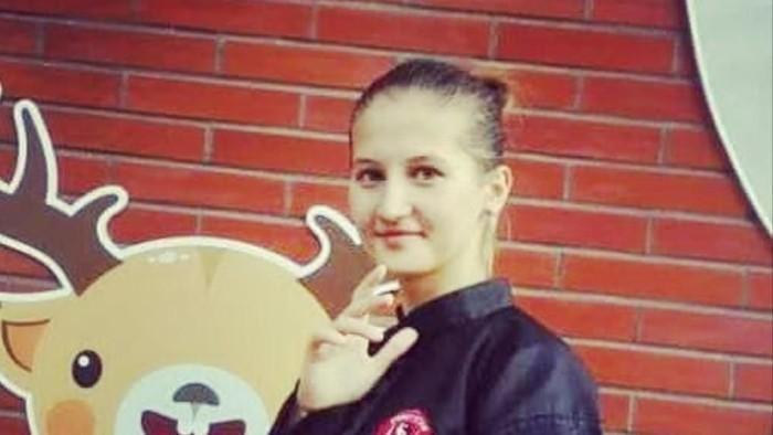 Atlet silat asal Uzbekistan.