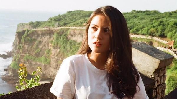 Lewat unggahan Instagramnnya, Marsha menunjukkan kebahagiaannya saat traveling. Bali pun jadi salah satu destinasi favorit Marsha (@aruanmarsha/Instagram)