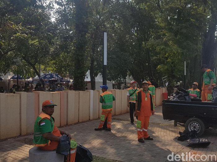 Petugas kebersihan jadi pendekar di balik gelaran Asian Games 2018 (Bahtiar Rifai/detikSport)