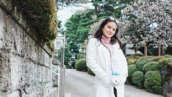 Selain di dalam negeri, Marsha juga tak melewatkan liburan ke Jepang. Cantiknya tak kalah dengan wanita Jepang ya (@aruanmarsha/Instagram)