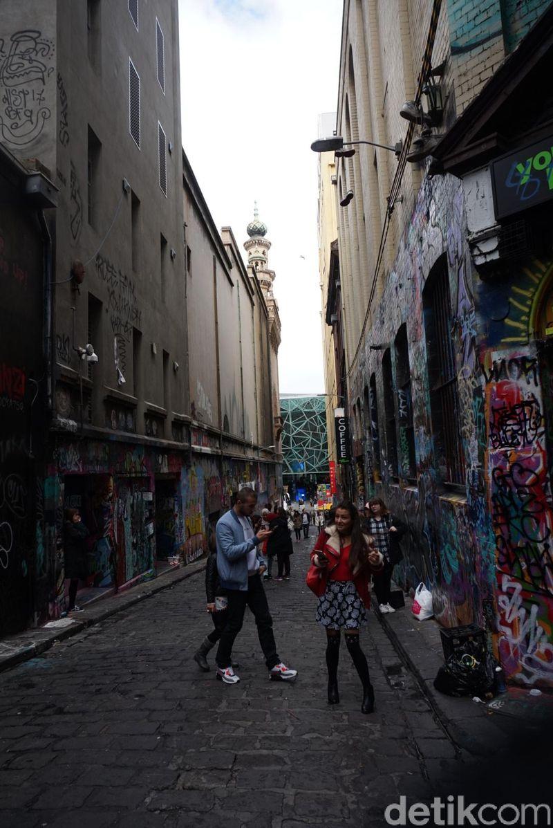 Inilah Hosier Lane, gang dengan banyak grafiti unik di Melbourne CBD, Australia (Shinta/detikTravel)