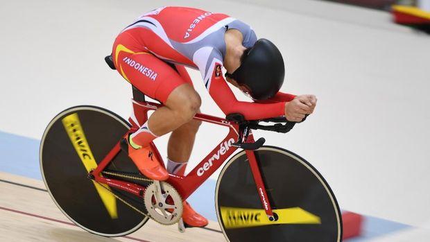 Pesepeda Bernard Benyamin akan tampil di final nomor madison putra.