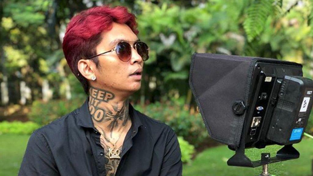 Perdana Jadi Host HUT Transmedia, Young Lex Tertantang