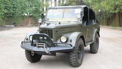Lihat Mobil Ini, Anak sampai Kakek Beri Salam Hormat