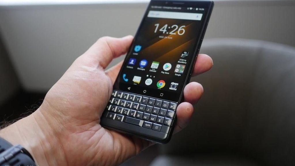 Wujud BlackBerry Key2 LE Goda Penggemar Keyboard Fisik