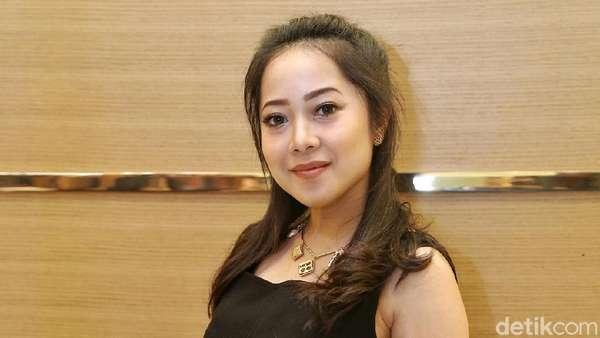 Hamil Besar, Karina Salim Pernah Cemas Berat Badan Naik