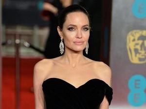 Angelina Jolie Disebut Menyesal Menikah dengan Brad Pitt