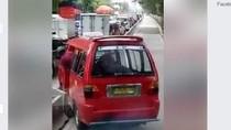 Viral Sopir Angkot Geser Separator Busway, Ini Fakta di Baliknya