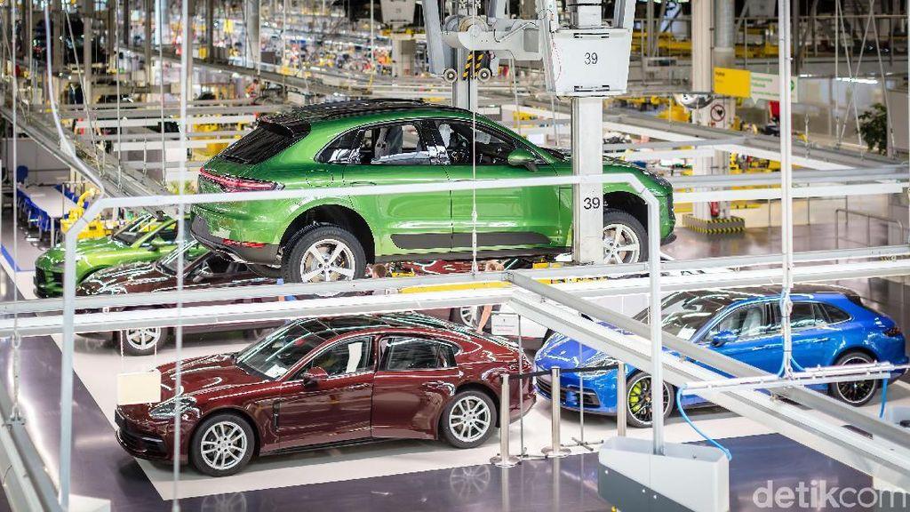 Intip Produksi SUV Porsche Macan
