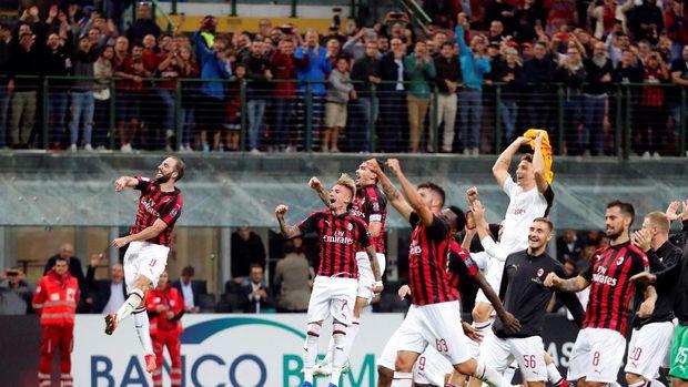 Selain Cristiano Ronaldo, Aubameyang juga hampir merapat ke Milan.