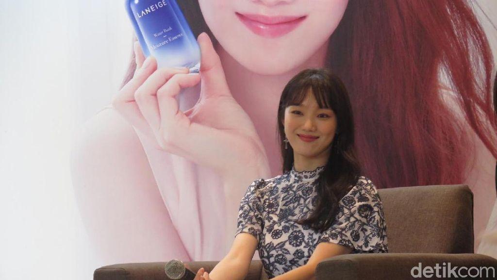 Cantiknya Aktris Korea Lee Sung Kyung Saat Pertamakali ke Jakarta