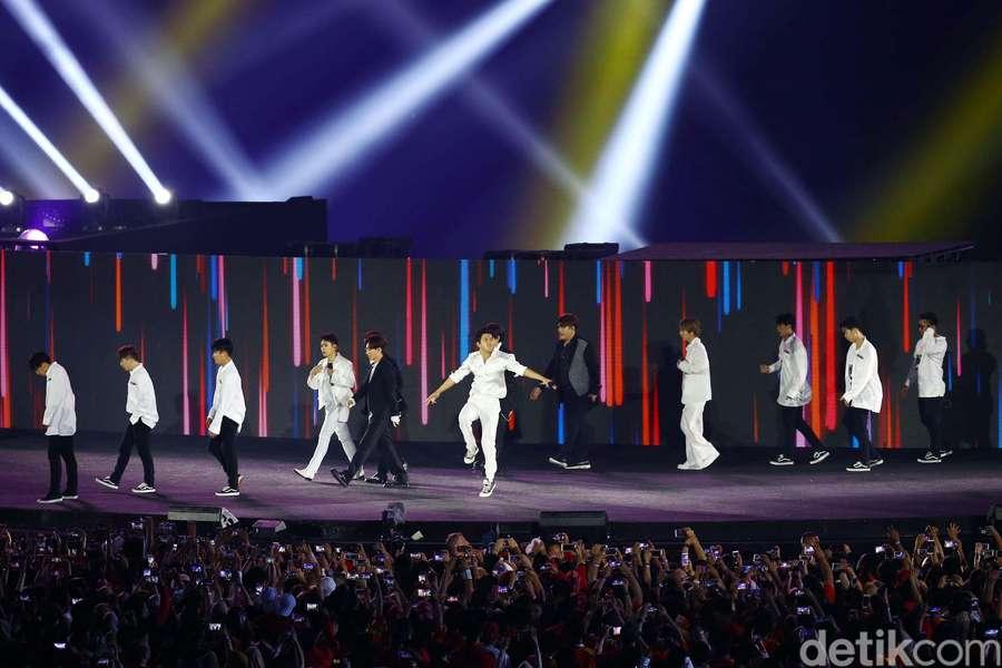 Super Junior Bikin GBK Berisik di Closing Asian Games