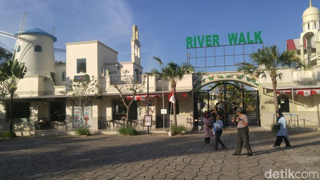 River Walk, Destinasi Selfie dan Bermain Bersama Hewan di Kendal