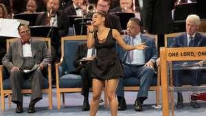 Ariana Grande Tambah Tato di Lengan, Gambar Apa?
