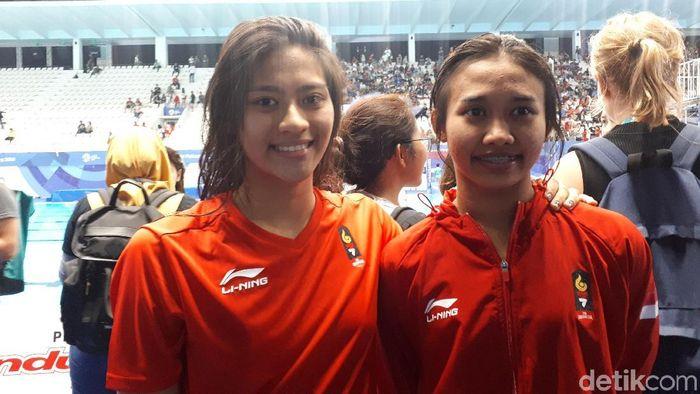 Atlet loncat indah Dinda Anasti Maria Natalie dan Linadini Yasmin (Foto: Mercy Raya/detikSport)