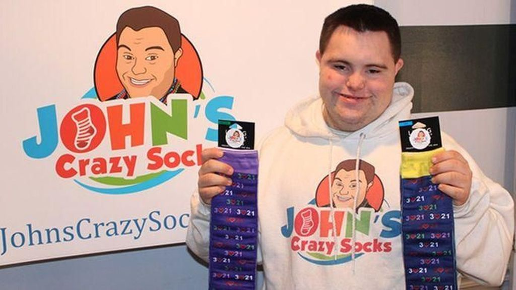 Kenalkan John, Pria Down Syndrome Tukang Kaus Kaki Beromzet Rp 20 M