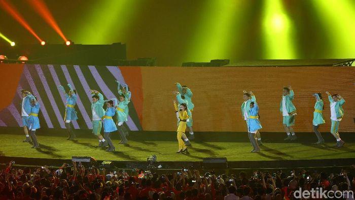 Pedangdut Siti Badriah di acara penutupan Asian Games 2018 (Grandyos Zafna/detikSport)