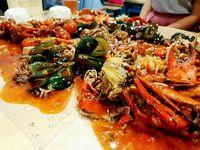 Asyiknya! Di 5 Tempat Ini Bisa Makan Seafood Pakai Tangan