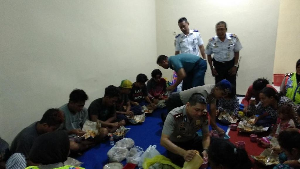 KLM Wahyu Ilahi Terbakar di Laut Flores, Penumpang Berhasil Diselamatkan