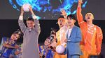 Foto: Detik-detik Anies Serahkan Obor Asian Games