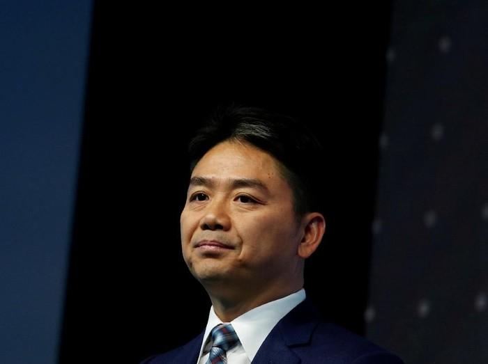 Miliuner China pendiri e-commerce JD.com, Richard Liu. Foto: REUTERS/Bobby Yip/File Photo