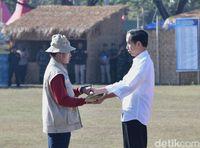 Hari ke-2 di Lombok, Jokowi Tinjau Pembangunan Rumah Tahan Gempa