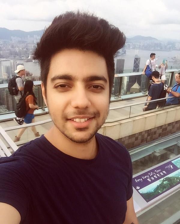 Sedangkan ini saat dia berada di Hongkong. (siddharthslathia/Instagram)