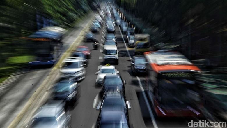 Lalu lintas Jakarta (Foto: Pradita Utama)